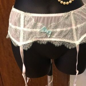 New IDo Victoria Secret Garter MLMG White/Green.